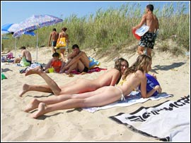 nudism-model-fun